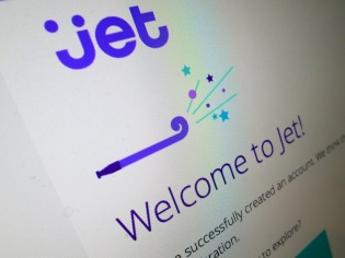 If you're not a big fan of Amazon these days, you might want to check out Jet.com to save some money… Does that mean Jet can beat Amazon at it's own game? It depends…