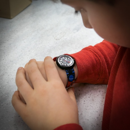 Behold… the power of time on the wrist of a child's hand. That can be a big deal the first time it happens. The question is which watch should you buy your kid to handle that bold responsibility...?