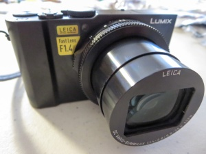 panasonic-lumix-lx10-is-ready-to-go
