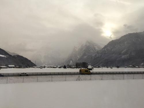 train-ride-to-davos
