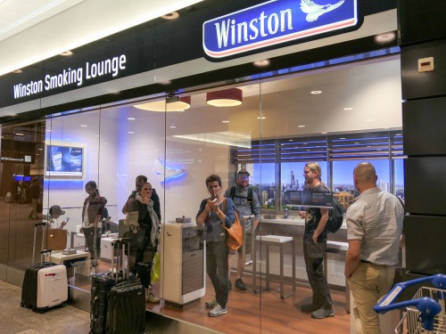 winston-smoking-lounge